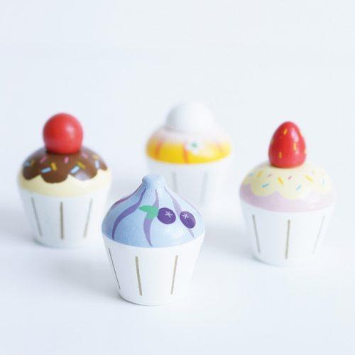 TV331 vier houten cupcakes le toy van